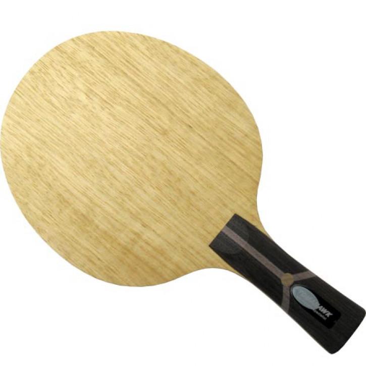 Der Materialspezialist Holz Tomahawk
